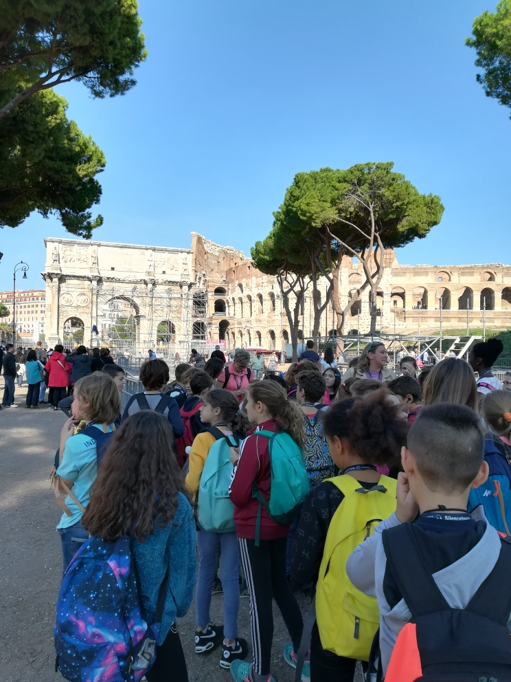 PRIMARIA la Regina Mundi a Roma